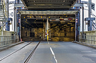 Das leere Eisenbahn- und LKW-Deck der Scandlines-Fähre