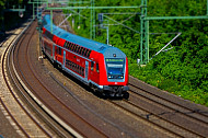 Regionalbahn am Berliner Tor in Hamburg in Tilt-Shift-Optik