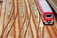 S-Bahn am Bahnhof Hamburg-Altona