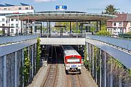 AKN-Triebwagen im Bahnhof Eidelstedt-Zentrum