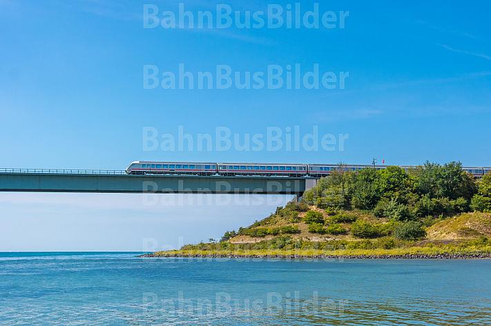 Intercity auf der Fehmarnsundbrücke