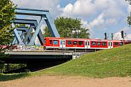 S-Bahn auf den Elbbrücken in Wilhelmsburg