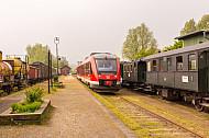 Regionalzug (Sonderzug) im Museumsbahnhof Schönberger Strand bei Kiel in Schleswig-Holstein
