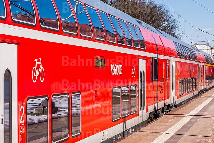 Regionalzug der DB mit Dopplstockwagen