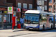 XXL-Bus der Hochbahn am Siemersplatz