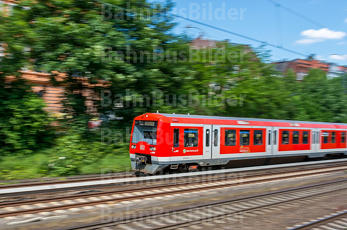 S-Bahn am Dammtor in Hamburg