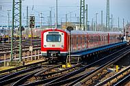Abgestellte S-Bahn an der Elbgaustraße in Hamburg