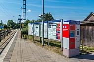 Fahrgastinformationsvitrinen im Bahnhof Dauenhof in Schleswig-Holstein