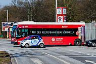 HVV-Bus und Carsharing-Auto