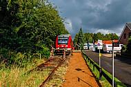 Sonderzug auf einer stillgelegten Bahnstrecke in Rendsburg-Seemühlen in Schleswig-Holstein