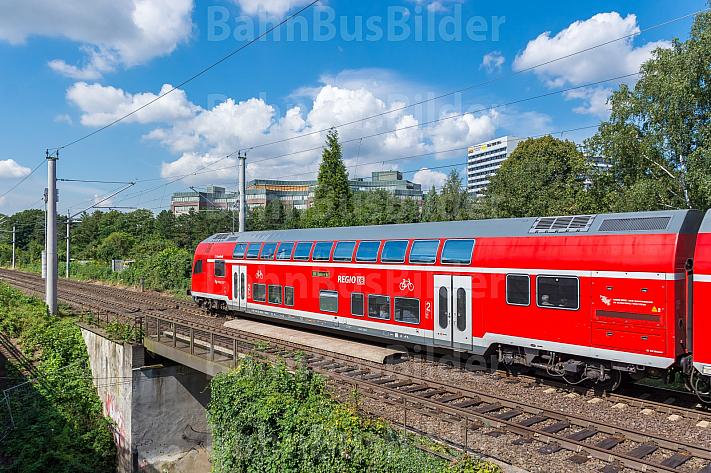 Regionalzug bei Hasselbrook in Hamburg