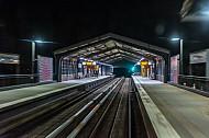 Eine U-Bahn-Haltestelle in Hamburg aus Sicht eines U-Bahn-Fahrers