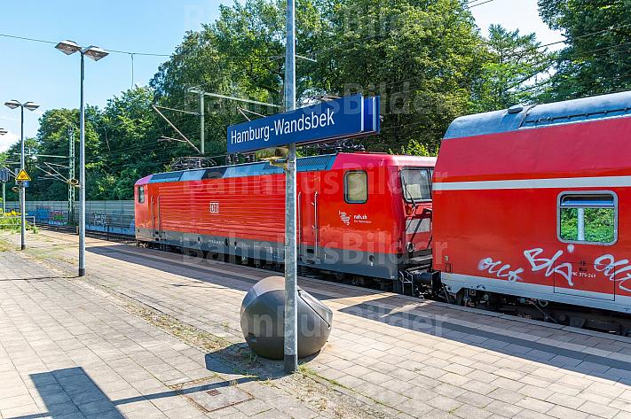 Regionalbahn im Bahnhof Wandsbek in Hamburg