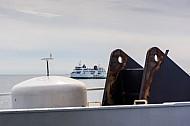 Zwei Scandlines-Fähren begegnen sich auf dem Fehmarnbelt (Vogelfluglinie).