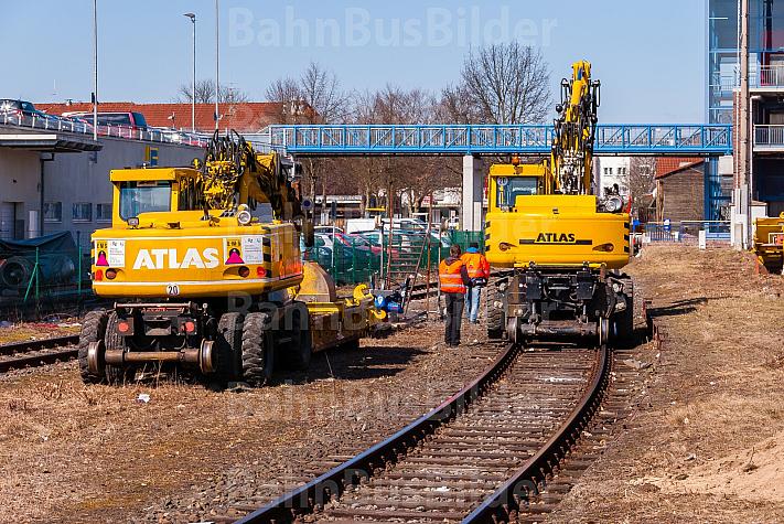 Schienenbagger am Bahnhof Tornesch in Schleswig-Holstein