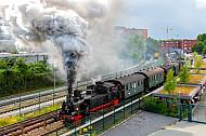 Historische Dampf-S-Bahn auf der Linie S1 in Wedel bei Hamburg